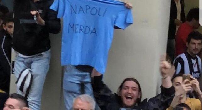 Douglas Costa choc su Instagram, Gazzetta punta il dito sul brasiliano: Farà discutere la sua foto con la scritta «Napoli m…»
