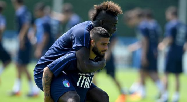 Siparietto Balotelli-Insigne: l'attaccante partenopeo <i>bullizzato</i> in treno da SuperMario [VIDEO]