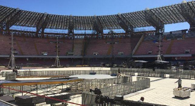 Stadio San Paolo irriconoscibile, ecco in che condizioni è il campo a poche ore dal concerto per Pino Daniele [FOTO]