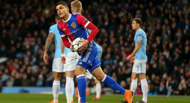 Elyounoussi dopo il gol al Manchester City