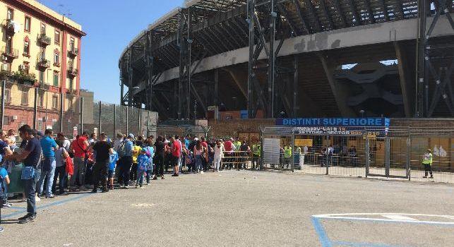 Caro prezzi, tifosi in fuga da San Paolo: contro la Fiorentina venduti appena 15mila tagliandi