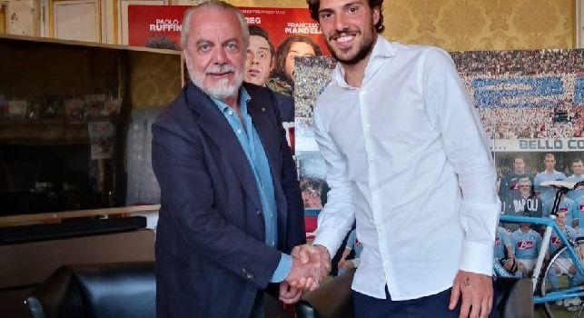 Verdi si presenta al Napoli: Pronto per questa nuova avventura! Non vedo l'ora di iniziare! Forza Napoli Sempre [FOTO]