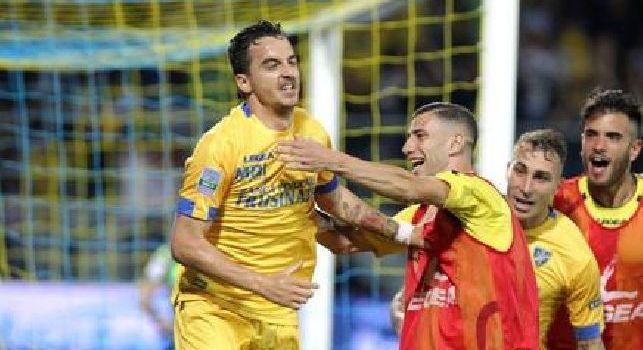 La SSC Napoli fa gli auguri al Frosinone: Di nuovo compagni di viaggio in Serie A!