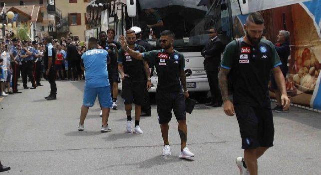 Il saluto di Ancelotti, lo sguardo di Meret ed i nuovi acquisti a Dimaro: gli scatti dell'arrivo [FOTOGALLERY CN24]