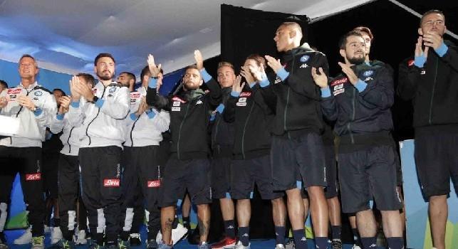Sarò con te, delirio in piazza a Dimaro: Ancelotti, gli azzurri e i tifosi scatenati! [VIDEO CN24]