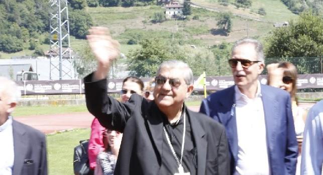 Il cardinale Crescenzio Sepe sul campo di Carciato