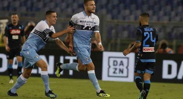 Raul Albiol in Lazio-Napoli per il riscaldamento