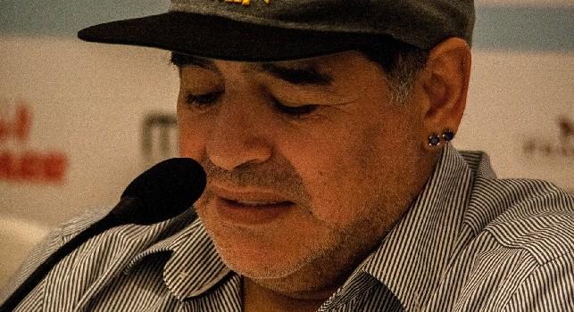 Maradona non ha dubbi su Lozano: Lo adoro, con lui il Napoli parte in vantaggio