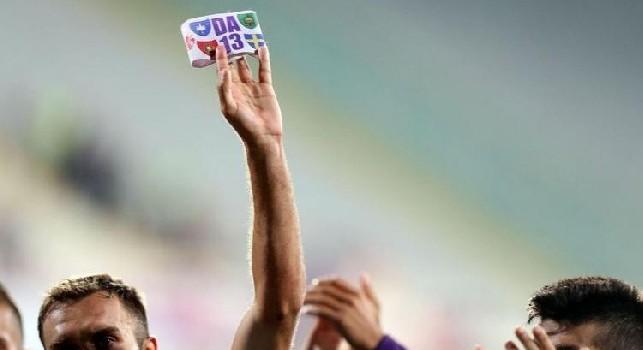 Fiorentina, la Lega Calcio accoglie la richiesta viola: continuerà ad usare la fascia da capitano di Astori