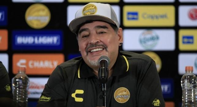 Maradona rischia due protesi alle ginocchia: la situazione
