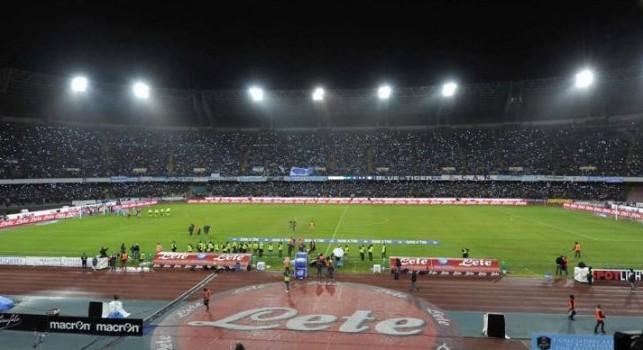 Champions League, sventata squalifica per il San Paolo: solo una multa per fumogeni e scale occupate in Napoli-Liverpool