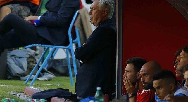 Carlo Ancelotti sulla panchina del Napoli