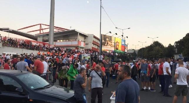 Stella Rossa-Napoli, già tantissimi tifosi all'esterno del Marakana! [FOTO CN24]