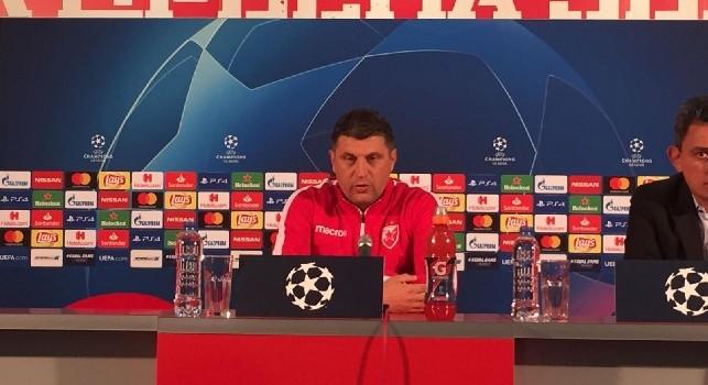 Milojevic in conferenza stampa (allenatore Stella Rossa)