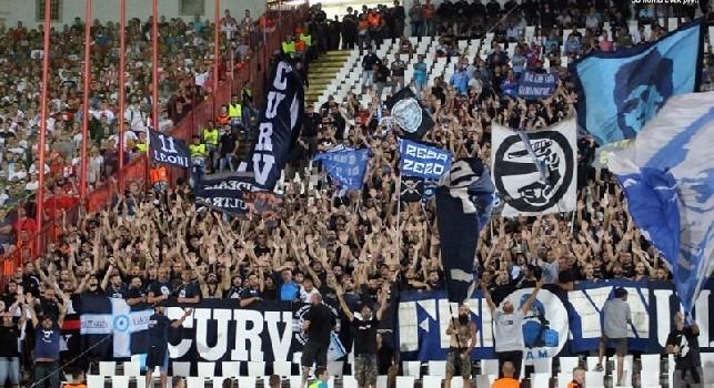 Ultras Napoli allo stadio Marakana di Belgrado