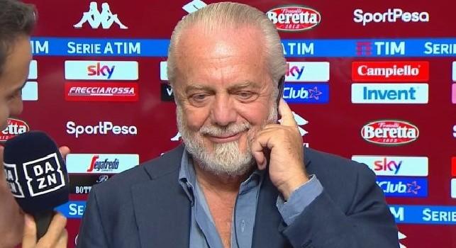 Gazzetta esalta la gestione ADL: Napoli un'oasi felice, sono un club ambito: ci si arriva col sorriso e si va via con le lacrime. Ancelotti non l'ha scelto per caso