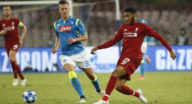 Liverpool, frattura alla gamba per Gomez! Per il difensore stop di sei settimane: salterà il Napoli