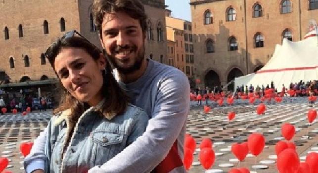 Verdi a Bologna: immerso tra i cuori con la sua fidanzata Laura [FOTO]