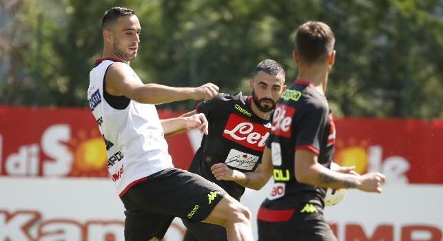 Sky - PSG-Napoli, Ancelotti pensa ai tre centrali in difesa. Torna Hamsik da titolare, ballottaggio Mertens-Milik in attacco