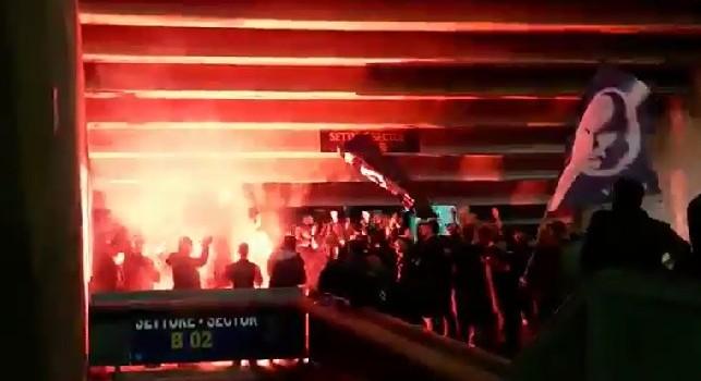 Nuovo coro in curva B, al San Paolo si salta al ritmo di: Forza ragazzi andiamo a fare gol [VIDEO]