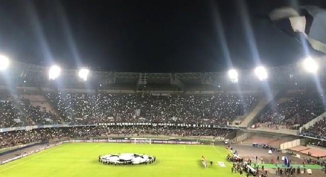 """""""Urlo Champions"""" allo stadio San Paolo di Napoli dalla Curva B in Napoli-PSG"""