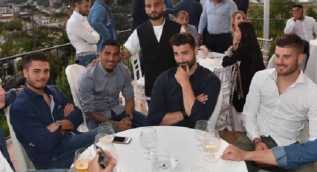 Niente patto di Quarto, Ancelotti a cena con la squadra per festeggiare Allan e Koulibaly [FOTO]