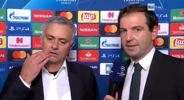 Paola Ferrari: Mourinho aveva provocato anche all'andata, diglielo, tutto l'imbarazzo del giornalista Rai [VIDEO]