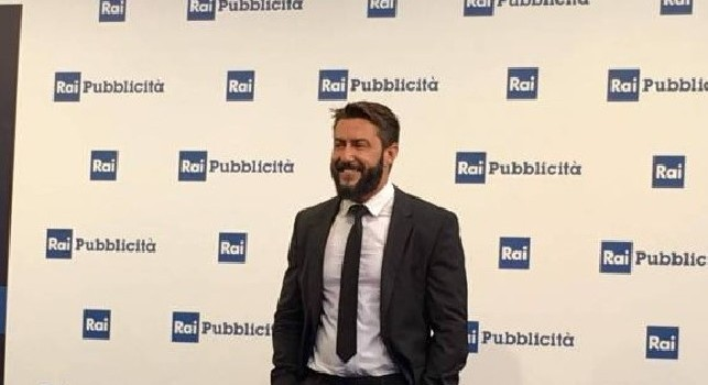 Ostia, avvertimento a giornalista Federico Ruffo: benzina davanti casa