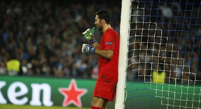 PSG, duro attacco della stampa a Buffon: Unico perdente a Belgrado, accusa sempre più i suoi 41 anni
