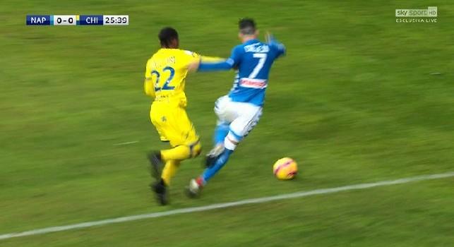 Moviola SSC Napoli-Chievo Verona, rigore mancato su Callejon - Obi