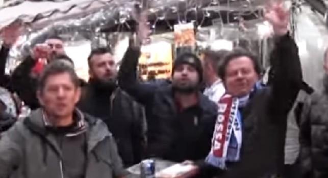 Juve, Juve, vaffanc**o!. Tifosi della Stella Rossa cantano contro i bianconeri a Via Toledo! [VIDEO]