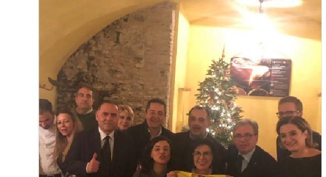 Ssc Napoli, serata azzurra per i parlamentari tifosi del Napoli: a cena con Edo De Laurentiis [FOTO]