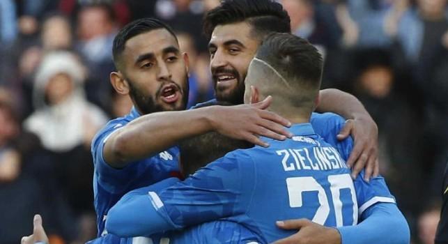 Faouzi Ghoulam esulta con la SSC Napoli contro il Frosinone allo stadio San Paolo