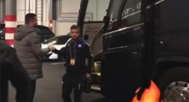 Il Napoli è arrivato ad Anfield: concentrazione massima! [VIDEO]