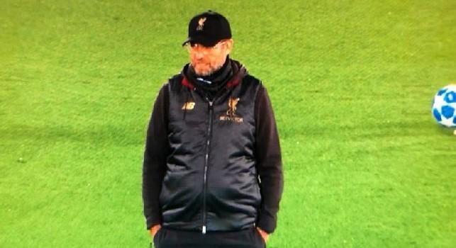 Repubblica: Klopp influenza l'arbitro e si vede. Salah la sblocca, Alisson compie il miracolo che elimina il Napoli: peccato!