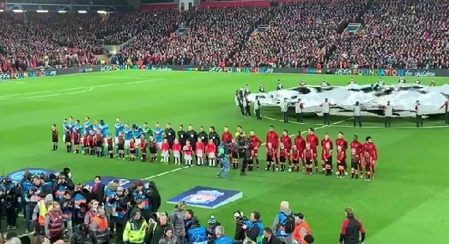 Liverpool-Napoli, Anfield Road