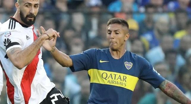Napoli su Almendra, ma De Laurentiis offre solo 10 milioni! Il Boca chiede la clausola di 27: anche PSG e Monaco su di lui