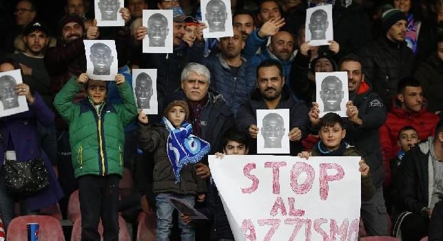 Il San Paolo al fianco di Koulbaly: maschere e striscioni a favore del difensore del Napoli [FOTOGALLERY CN24]