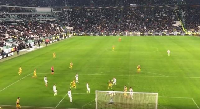 Il gol allo scadere di Gervinho visto dalla curva della Juventus: l'ivoriano ammutolisce i tifosi bianconeri! [VIDEO]
