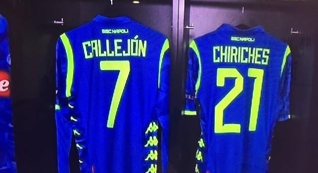 Tutto pronto alla Red Bull Arena, Napoli in maglia azzurra con bande fluorescenti [FOTO]