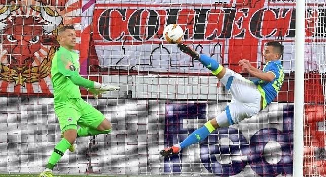 La SSC Napoli esulta dopo il passaggio ai quarti: Sinfonia azzurra, avanti il prossimo. Milik vince il valzer delle punte