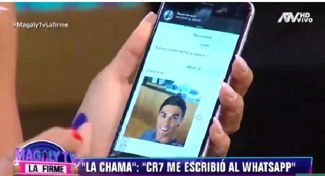 Cristiano Ronaldo choc, la modella Mendez mostra messaggi hot in diretta tv [FOTO]