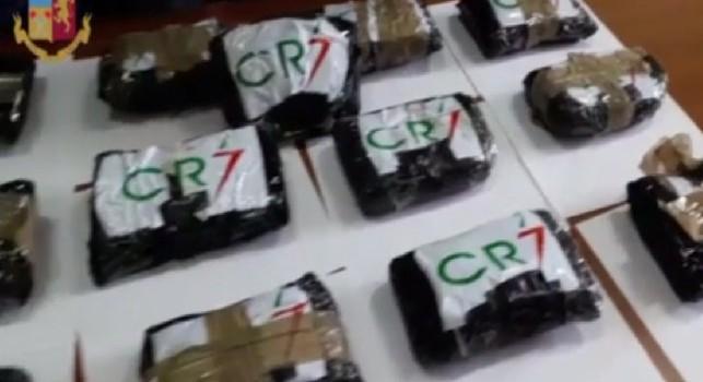 Sequestrati 14 chili di cocaina a Napoli: riportavano la scritta CR7 [VIDEO]