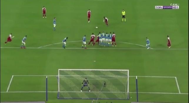 Beffa Napoli, il gol su punizione di Lacazette sarà annullabile dall'anno prossimo: il regolamento