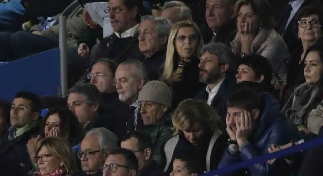 Napoli-Arsenal, contestazione durissima contro ADL: Via da Napoli! [VIDEO]
