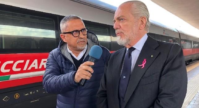 Carlo Alvino con Aurelio De Laurentiis alla stazione di Napoli