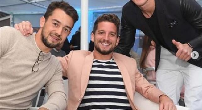 Cena Ssc Napoli, che sorrisi per gli azzurri: Mertens con Younes, poi Milik e Zielinski [FOTO]