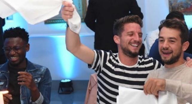 Cena Ssc Napoli, tante risate alla cena sociale: Mertens scatenato con Younes! [FOTOGALLERY]