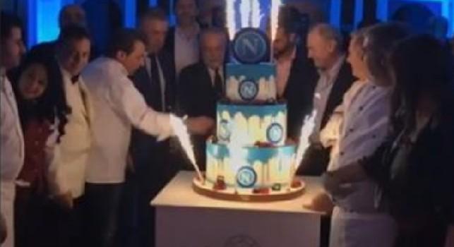 Cena Ssc Napoli, arriva la torta: via al taglio con ADL e mister Ancelotti [VIDEO]