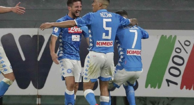 Il commento della SSC Napoli: Il Napoli si fa in quattro, verso il battito infinito ed eterno di un nuovo romanzo azzurro